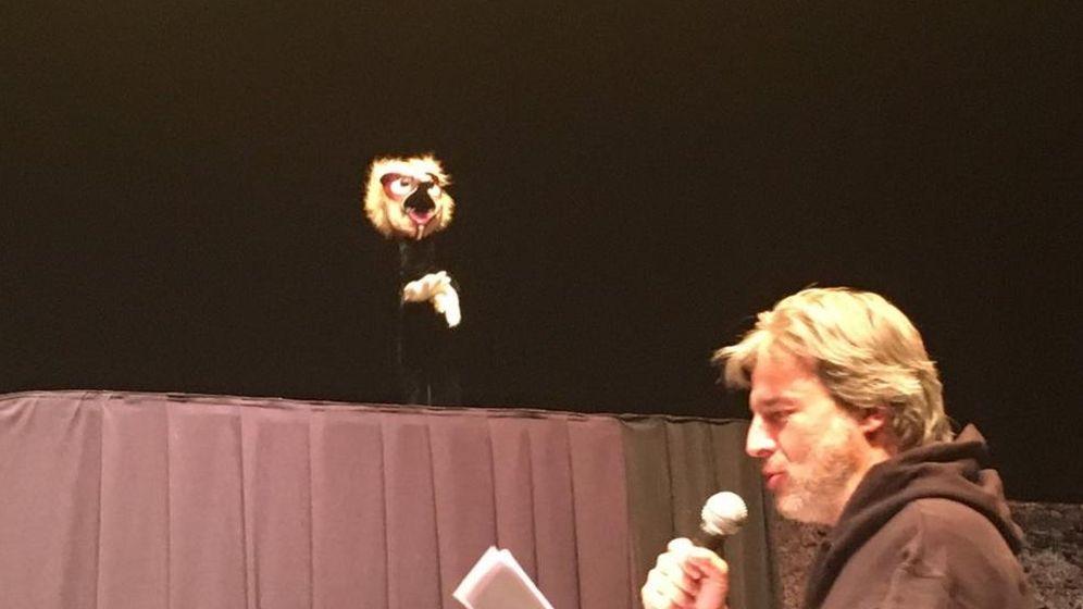 Foto: El actor Alberto San Juan durante la representación de la obra. (Teatro del Barrio)