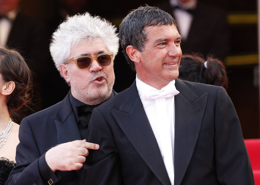Foto: Pedro Almodóvar y Antonio Banderas en el Festival de Cannes de 2011. (Gtres)
