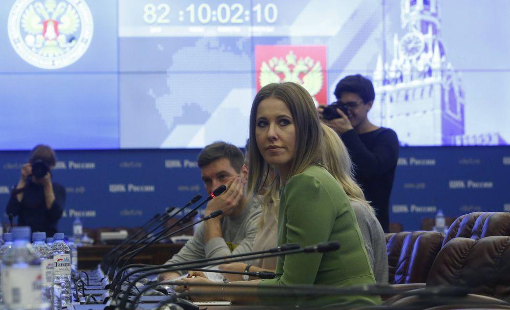 Foto: La candidata Ksenia Sobchak en la Comisión Electoral Central, en Moscú, el 25 de diciembre de 2017. (Reuters)