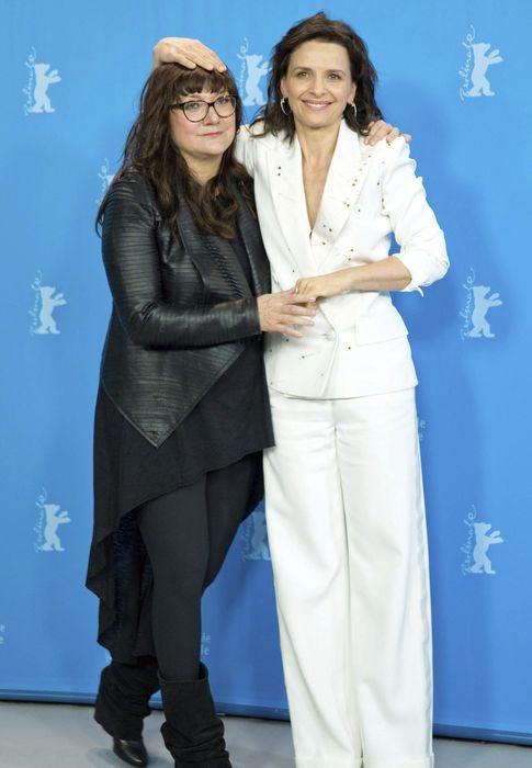 Foto: Isabel Coixet y Juliette Binoche en la presentación de 'Nadie quiere la noche' esta mañana (Efe/Joerg Carstensen)