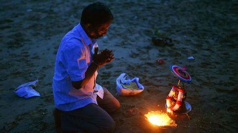 Rezando en el festival Ganesh Chaturthi