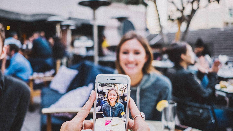 Si quieres ver fotos al tiempo que las disparas, no vayas a la galería: desliza el dedo con la aplicación abierta. (Pixabay)