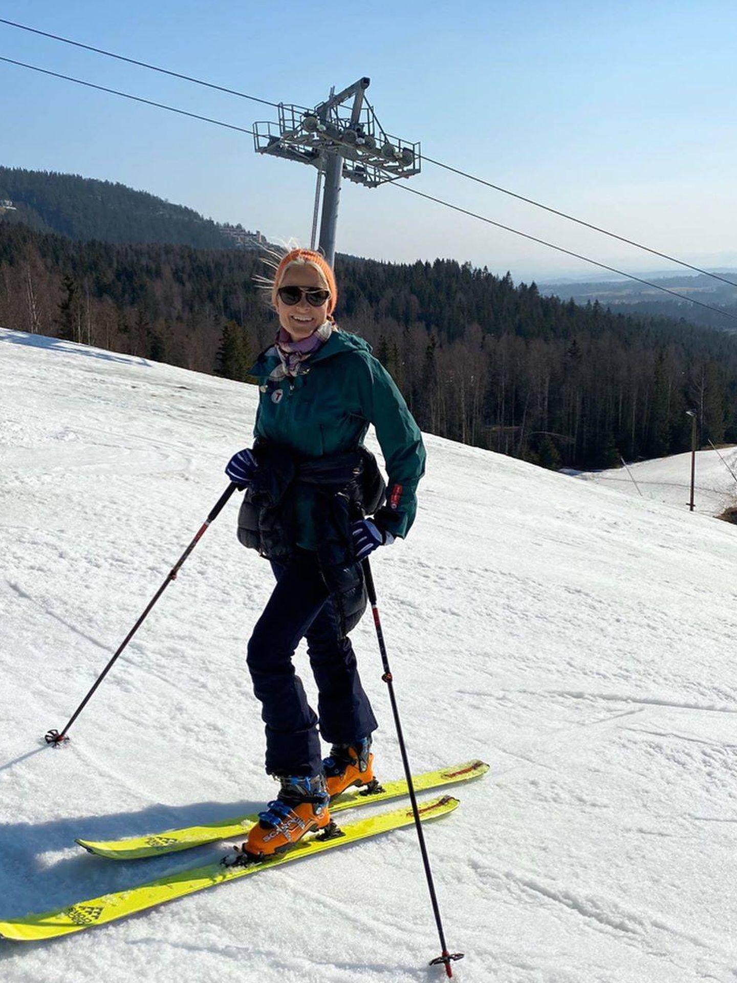Mette-Marit, practicando esquí. (Instagram @crownprincessmm)