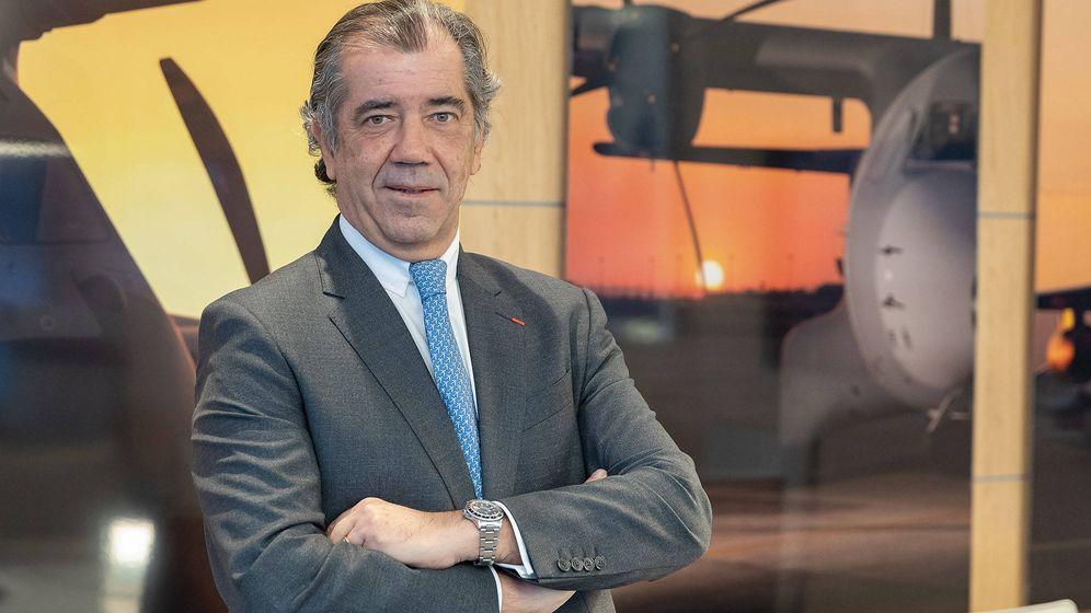 Foto: Fernando Alonso, en su despacho en Getafe. (Airbus)