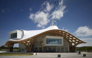 La arquitectura humanitaria de Shigeru Ban gana el Premio Pritzker