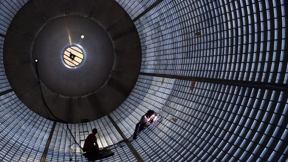 Dentro de un gigante: así se construye el cohete más potente del mundo