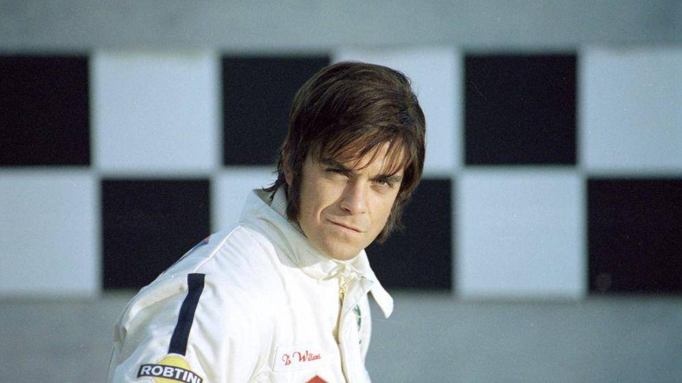 Foto: Robbie Williams hizo un homenaje a la F1 en el videoclip de su canción 'Supreme'.