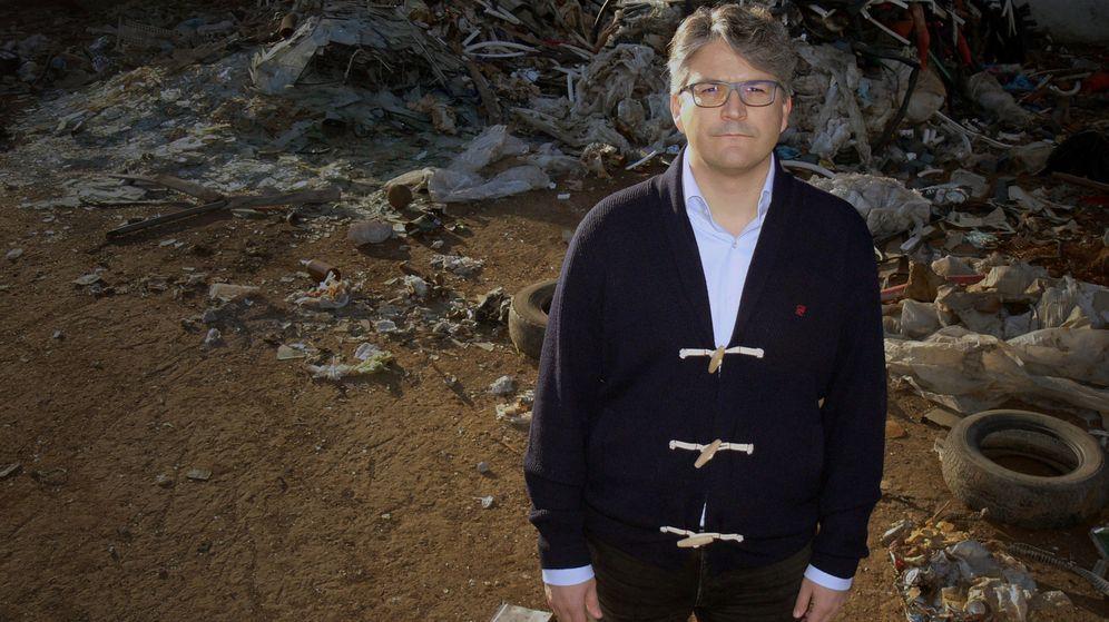 Foto: Daniel José Madrigal, lleva más de 12 años librando un duro y agotador litigio.(Juan Bezos)