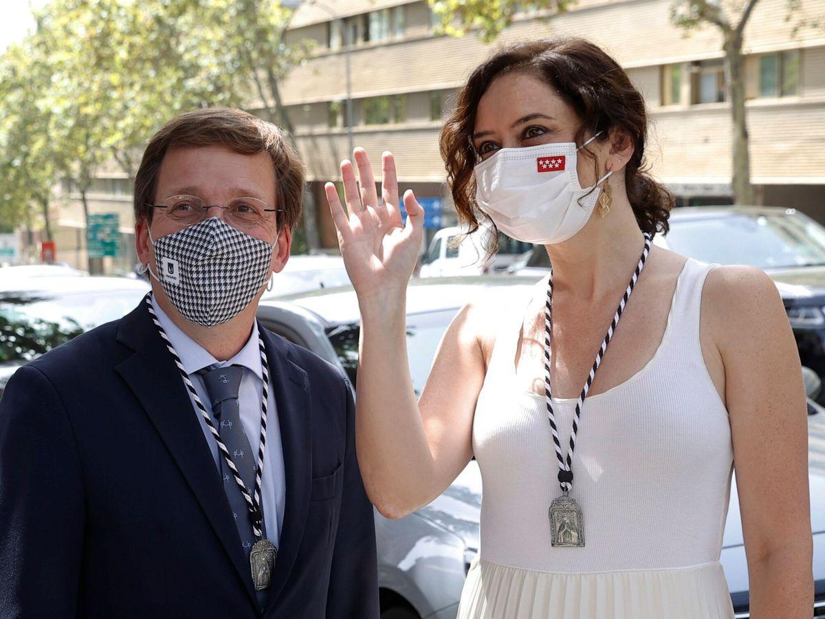 Foto: El alcalde de Madrid, José Luis Martínez-Almeida (i), y la presidenta de la comunidad, Isabel Díaz Ayuso. (EFE)
