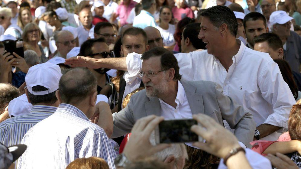 Foto: Rajoy y Albiol en el acto de Badalona. (EFE)