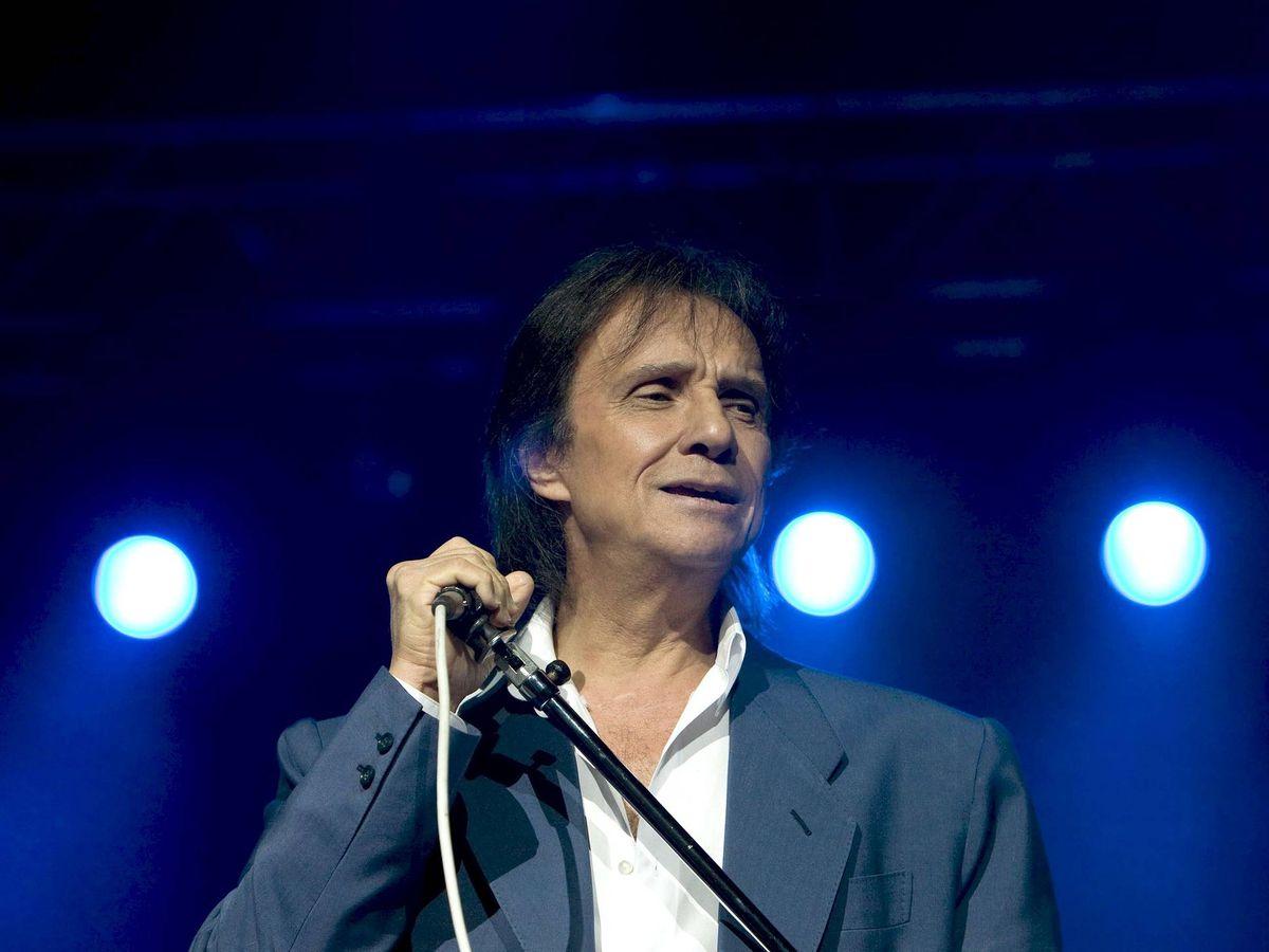 Foto: El cantante brasileño Roberto Carlos, durante una actuación el el anfiteatro Gibson de Los Ángeles. (EFE)