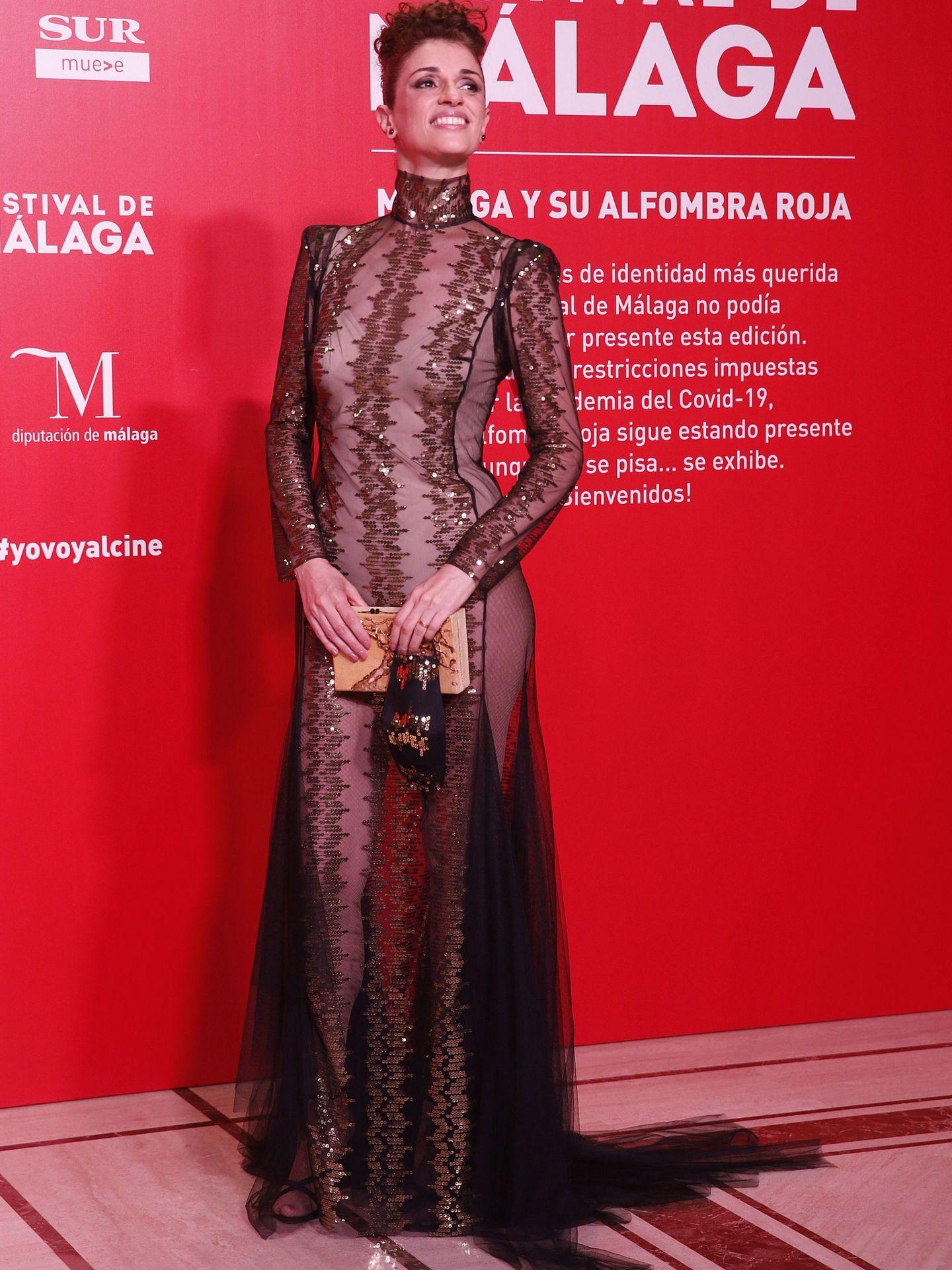 GRAF4083. MÁLAGA, 21 08 2020.- La actriz Ruth Gabriel posa a su llegada a la gala inaugural de la vigésimo tercera edición del Festival de Cine en Español, hoy viernes en Málaga. EFE Jorge Zapata