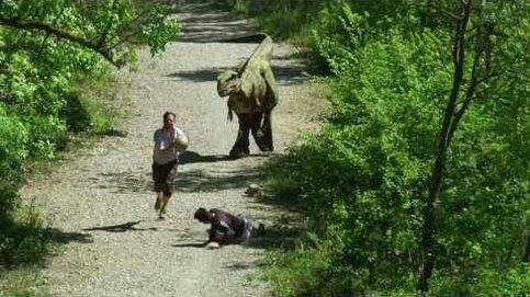 Un velociraptor anda suelto por el parque