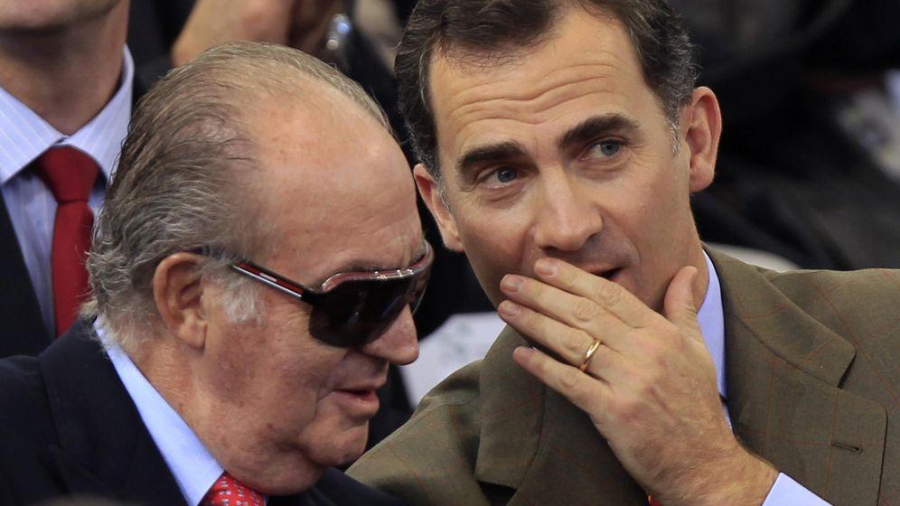 Foto: El príncipe Felipe y el rey Don Juan Carlos en una imagen de archivo. (Reuters)