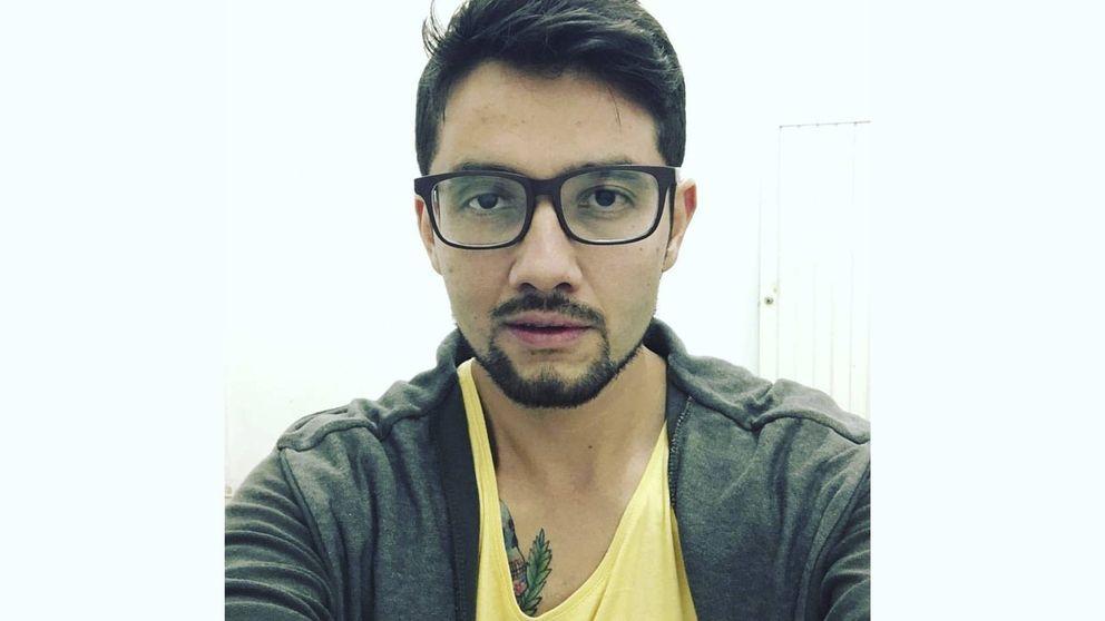 El terror de un reportero mexicano: humillado y pateado por la policía