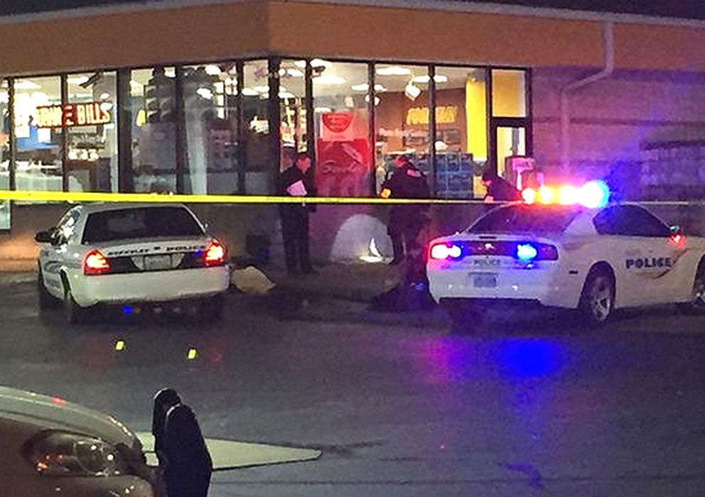 Foto: Gasolinera de St. Louis donde se ha producido la muerte de Antonio Martin (Twitter: @valeriehahn)