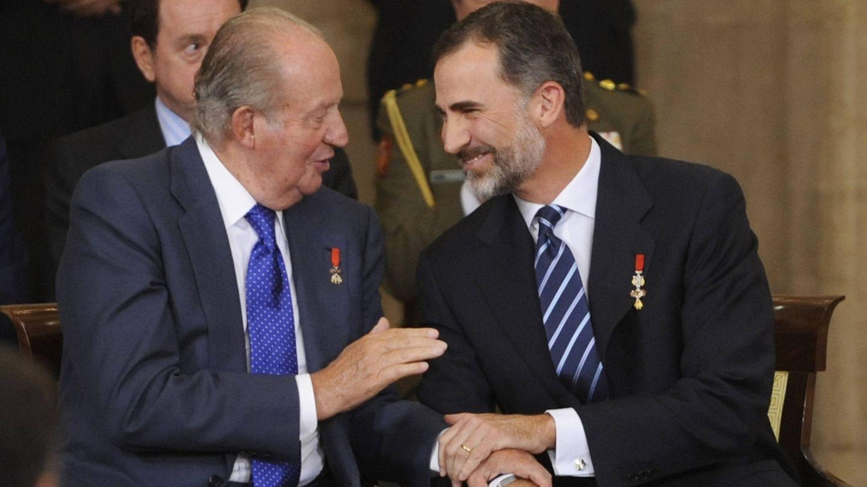 El rey Juan Carlos y el rey Felipe, en una imagen de archivo. (Getty)