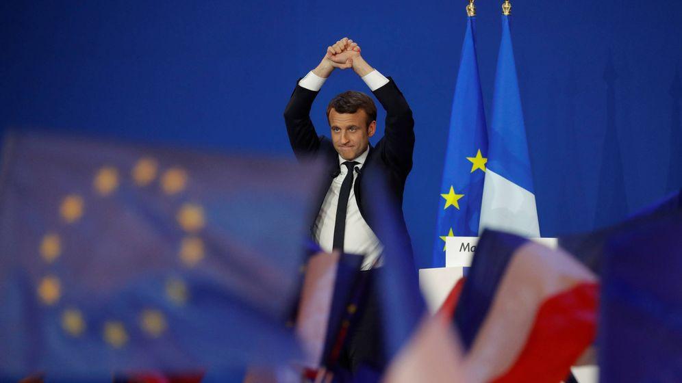 Foto: Emmanuel Macron, líder del movimiento En Marcha, celebra los resultados en París. (Reuters)