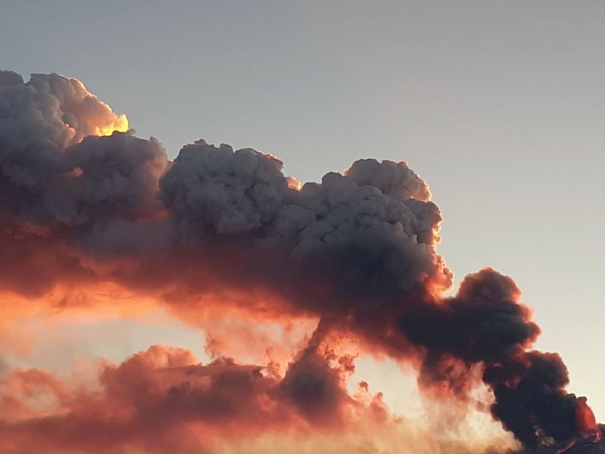 Foto: El volcán Etna vuelve a entrar en erupción. (Reuters)