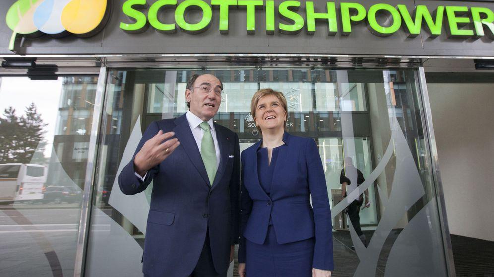 Foto: Ignacio Galán y la 'premier' escocesa, Nicola Sturgeon, en un acto de la filial británica de Iberdrola. (EFE)