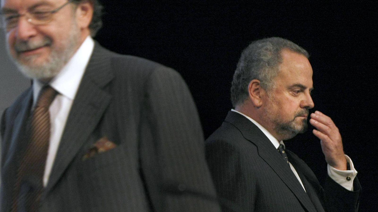 Foto:  Ignacio Polanco (d) y Juan Luis Cebrián, durante una Junta General de Accionistas del Grupo Prisa. (EFE)
