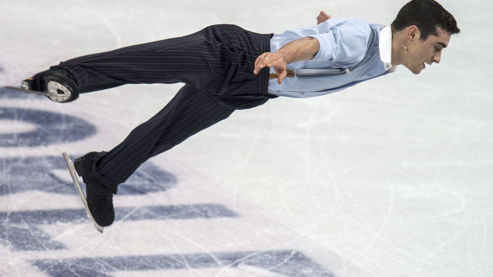 Foto: Javier Fernández, durante su ejercicio en el Campeonato del Mundo de Patinaje Artístico celebrado en Boston (EFE).