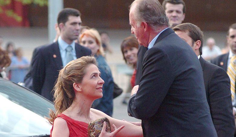 Foto: La infanta Cristina y el Rey en una imagen de archivo (IC)