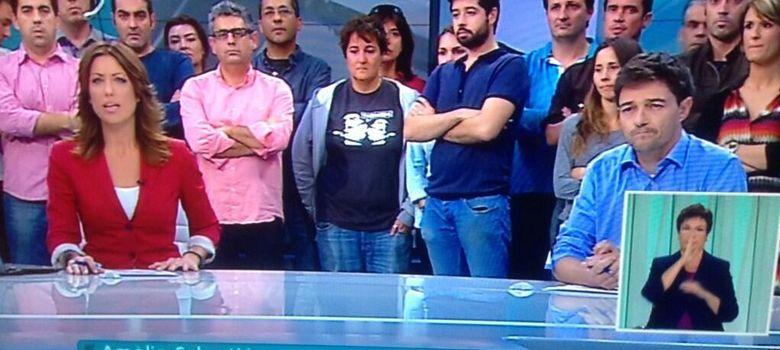 Foto: El informativo de Canal Nou ha abierto con la noticia del cierre y con los trabajadores en plató.