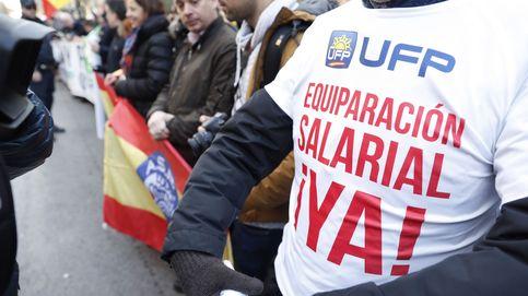 Zoido promete 1.500 millones para igualar salarios entre cuerpos policiales