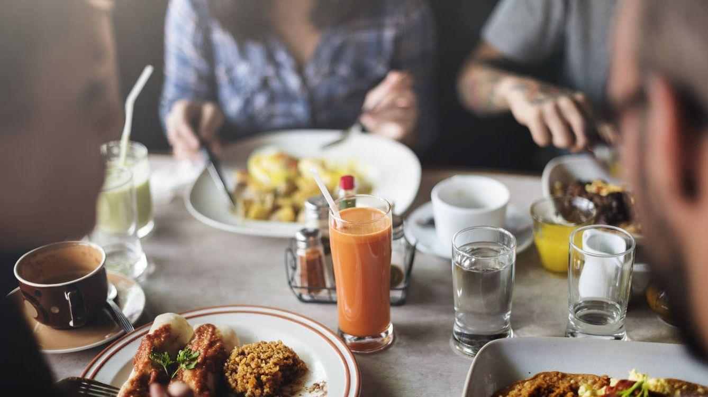 El TS determina que los autónomos pueden deducirse los gastos de comidas con clientes