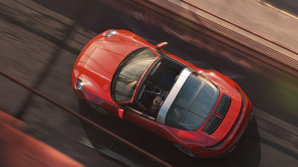 Foto: Nuevo Porsche 911 Targa, heredero de una larga tradición de vehículos semidescapotables.