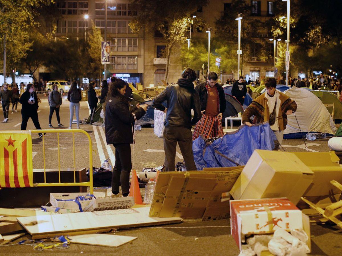 Foto: Acampada en plaza Universitat (EFE)
