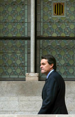 Mas repesca para su Gobierno a un condenado por malversación que indultó Aznar