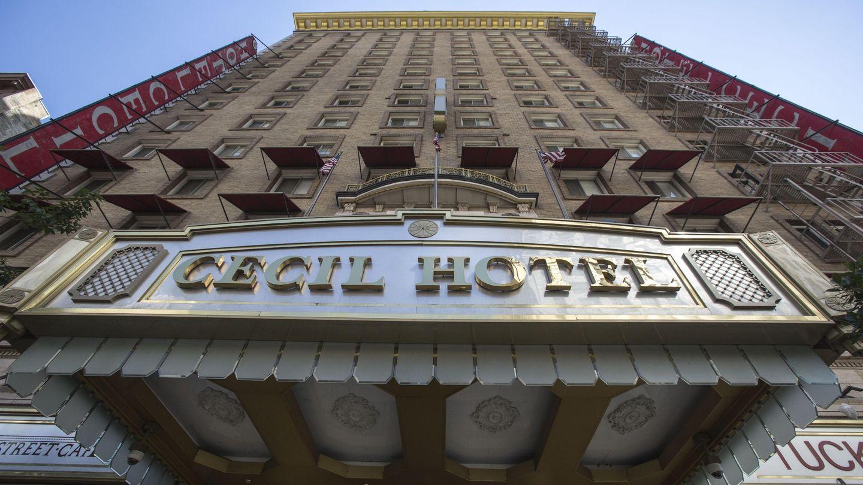 La puerta del hotel Cecil en Los Ángeles (Corbis)