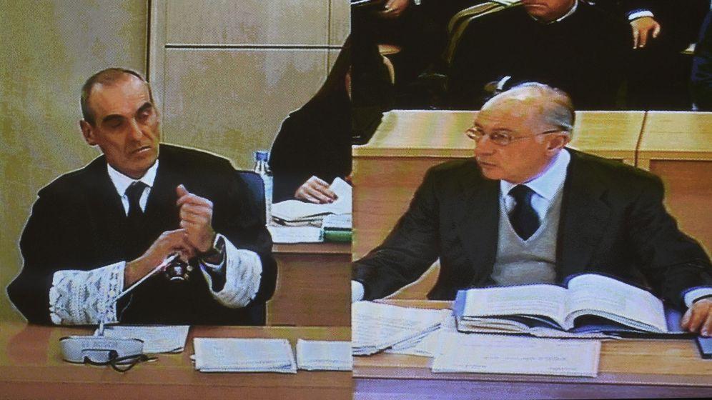Foto: El fiscal Alejandro Luzón y el expresidente de Bankia Rodrigo Rato. (EFE)