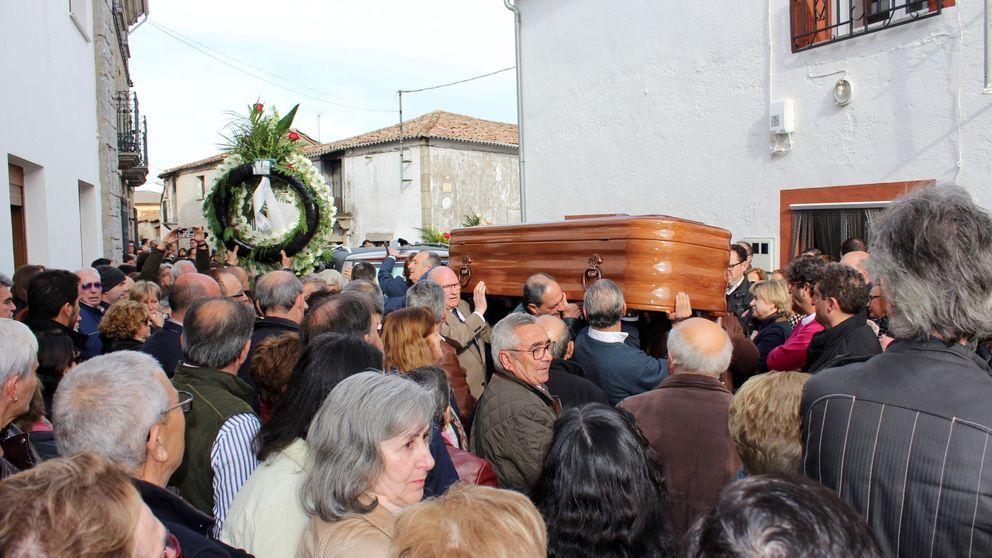 Los Lobos ('¡Boom!) despiden a José Pinto en Casillas de Flores, Salamanca