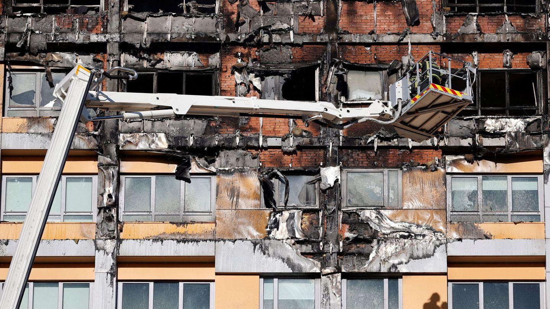 Fachada quemada del edificio. (EFE)