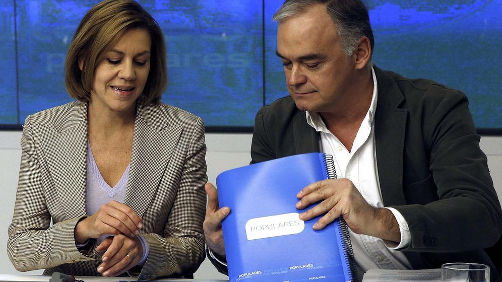 Foto: Fotografía de archivo de María Dolores Cospedal y Esteban González Pons. (EFE)