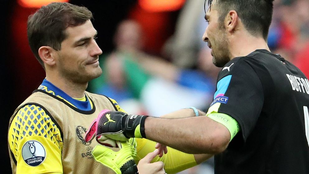 De admirar a Buffon a mofarse de Iker, así es la España que dibujó Pérez-Reverte