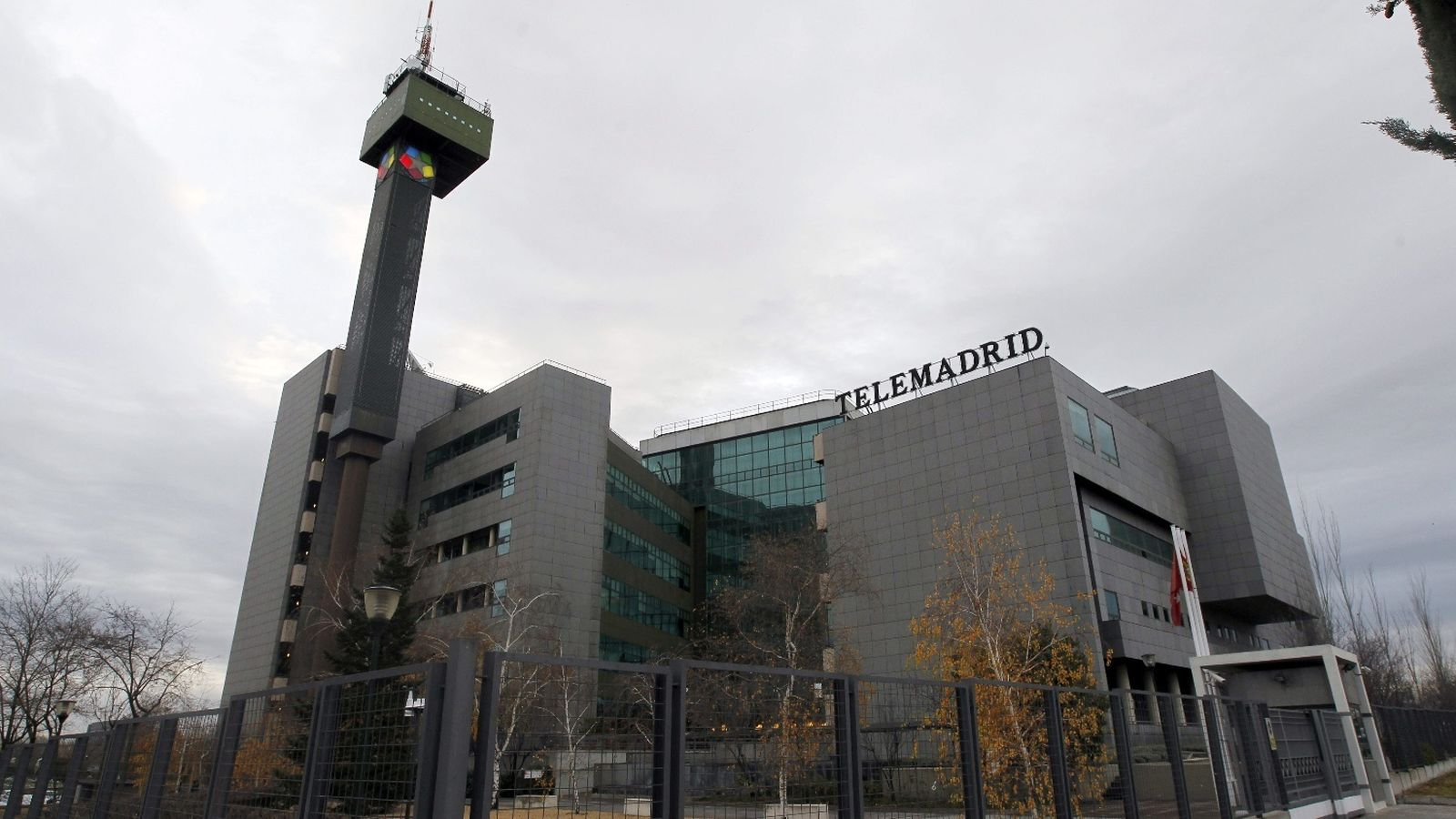 Foto: La sede de Telemadrid, en la Ciudad de la Imagen de Pozuelo. (EFE)