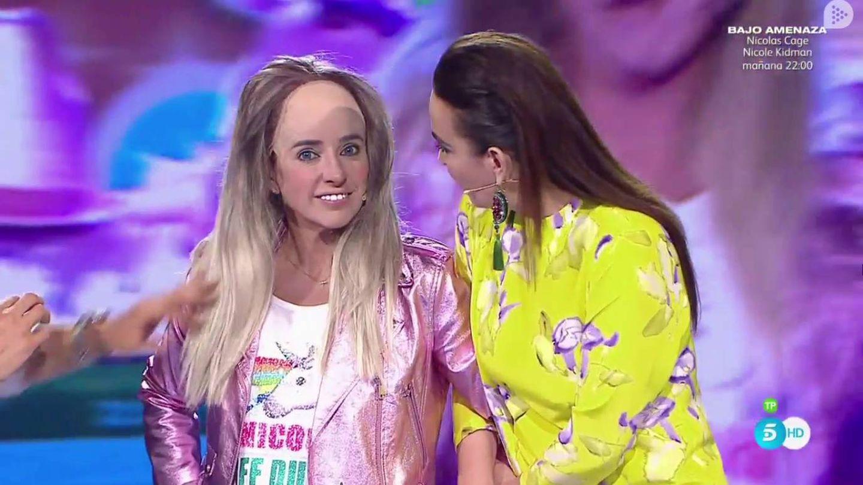 Carmen Alcayde y Cristina Rodríguez en 'Me lo dices...'. (Mediaset España)