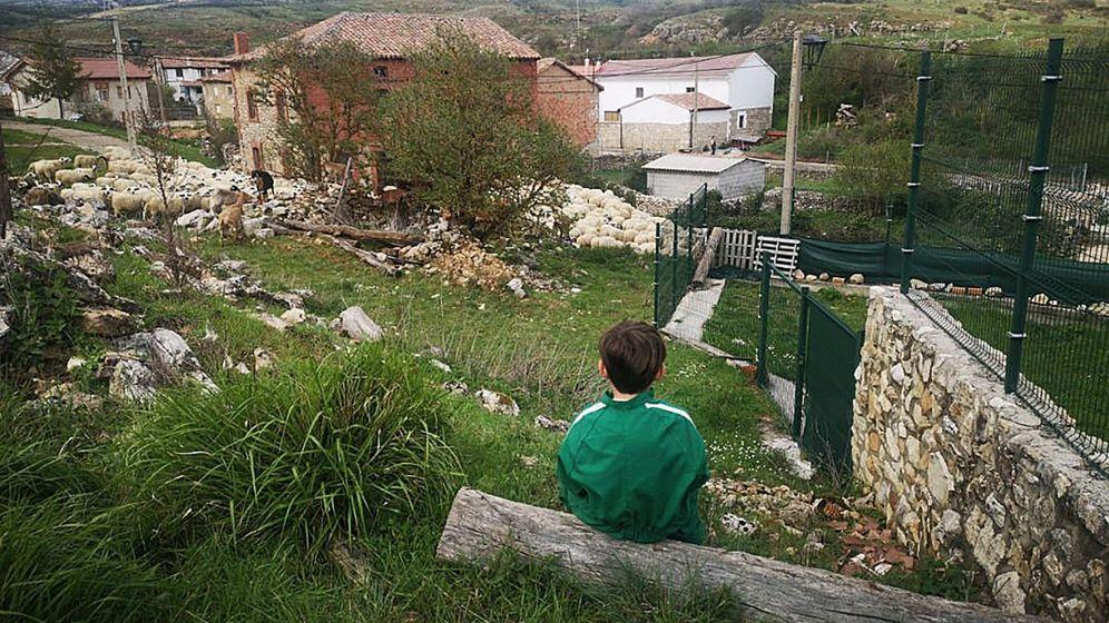 Foto: Vista de Cubillo de Ojeda (Palencia), un pueblo de solo tres habitantes. (EFE)