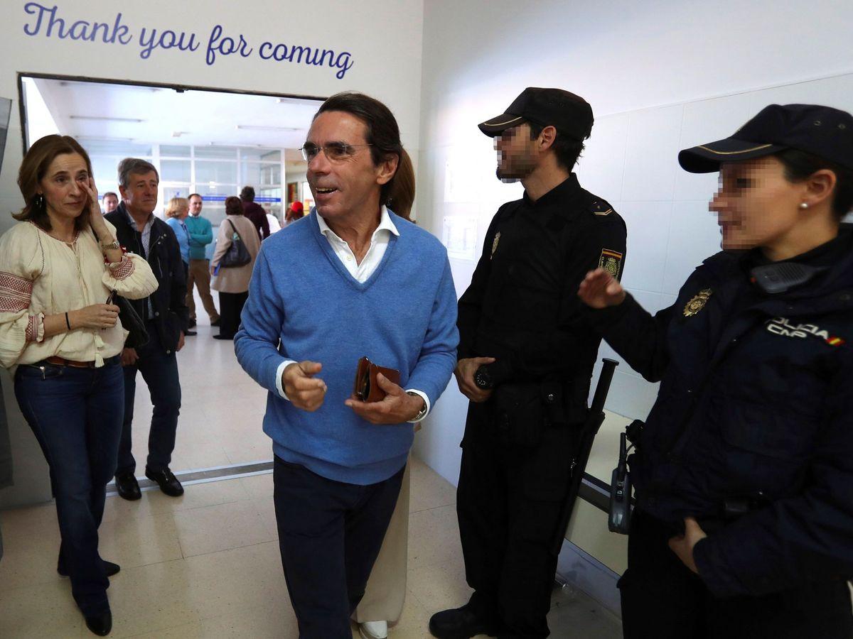 Foto: Aznar, votando en Pozuelo en 2019.