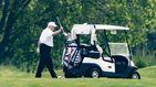 Trump vuelve a jugar al golf en plena pandemia