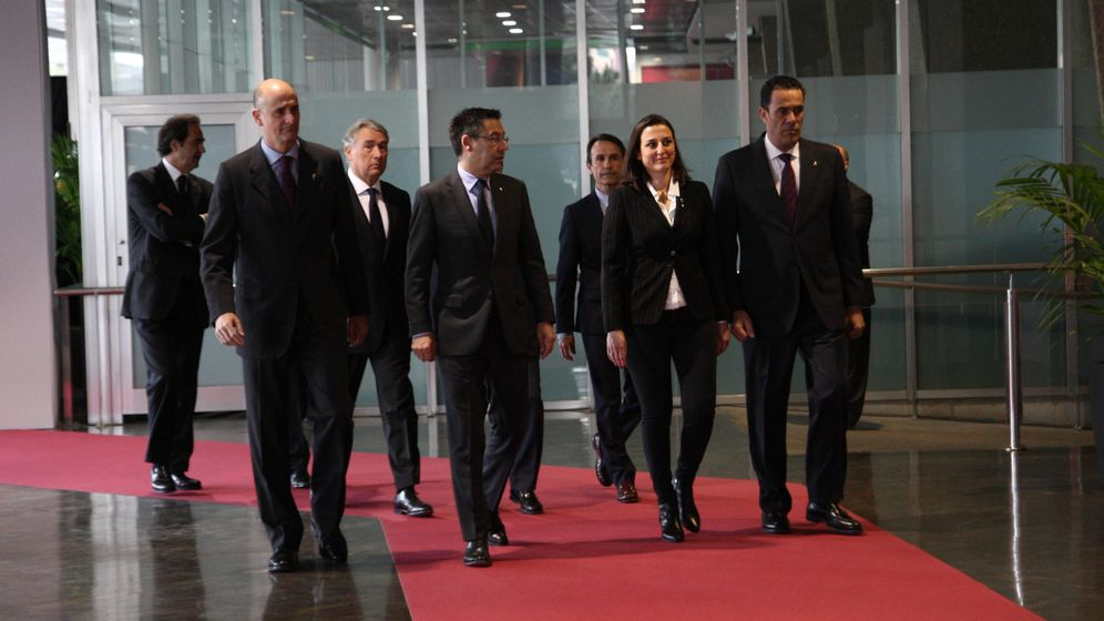 Foto: Josep María Bartomeu, con la directiva del FC Barcelona (Cordon Press).