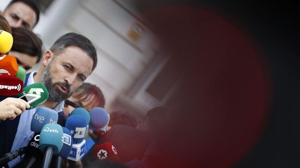Foto: Santiago Abascal, presidente de Vox, frente al Supremo. (EFE)