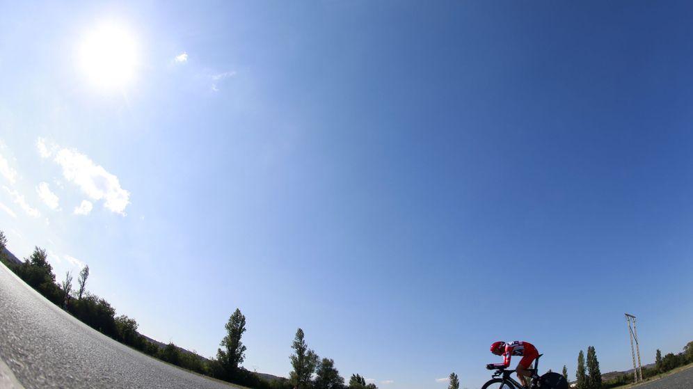 Foto: Froome dio lo mejor de sí al final y ganó la crono. (EFE)