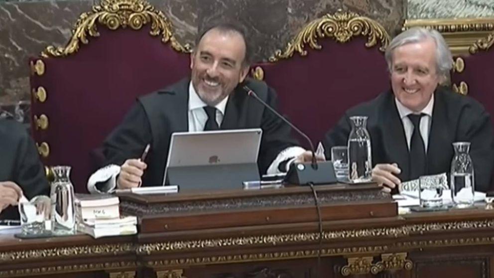 Risas entre Marchena y Pina por el error con un testigo en el juicio del 'procés': Yo ya estuve aquí el jueves