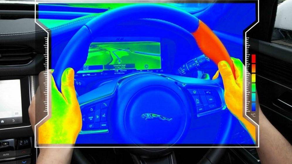 Foto: Así es el volante sensorial que te envía notificaciones con un golpe de calor. (Jaguar)