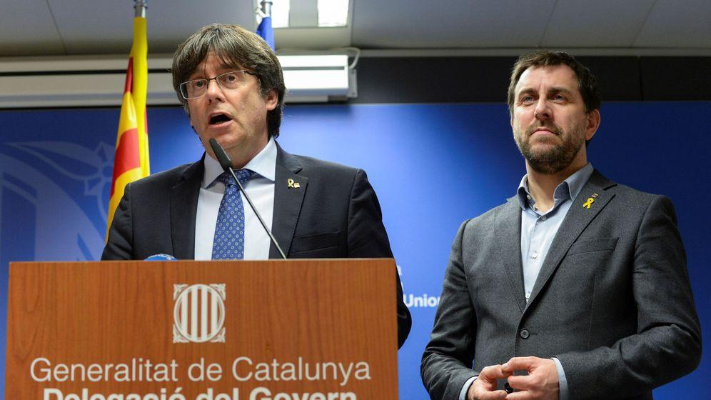 Foto: Puigdemont y Comín en Bruselas. (Reuters)